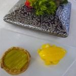 シンジコガ - 温かいルバーヴ(フキ)のタルトとマンゴーのソルベ