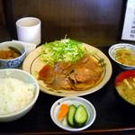 かあちゃん - しょうが焼き定食750円が日替わりサービスで700円