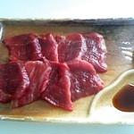 鯨食堂 - 料理写真:単品鯨刺300円
