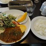 洋食ワタナベ - ポークカレーシチューとオムレツ \1,000