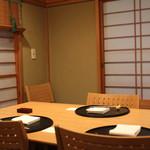 樋口 - テーブル席 (2013/04)