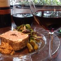 ボトルワインは105種類以上、グラスワインは13種類以上!