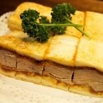 ニューアストリア - 料理写真:カツサンド野菜ナシ