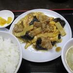 中華食堂一番館 - 豚肉と木耳の玉子炒 580円