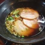杏亭 - 煮豚入り醤油ラーメン