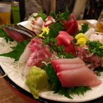 浜一番屋 - 大漁盛り(8種)2310円