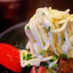ハモニカ・クイナ - 首里そば麺は、こんな感じ。