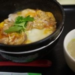 鳥めし 鳥藤 - 東京マラソン2013の翌日にいただきました。気温が0℃近い上に風が強かったので、熱い鶏スープが身に染み入りました^^