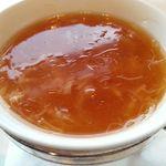18674371 - 干し貝柱入りふかひれスープ