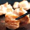 塩の屋 - 料理写真:新鮮な淡路鶏と薩摩地鶏。この歯ごたえを味わって下さい。