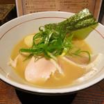 麺と心 7 - W白湯セブン(醤油)