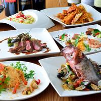 魚介や野菜など、毎日新鮮素材を仕入れています。
