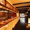 epice - 内観写真:京都の街に溶け込む、築100年以上の京町家を改装したという【epice エピス】。