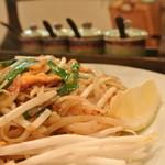 タイ料理 ブアールアン - パッタイ 850円