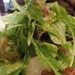 伊酒リア - 「色どり野菜のサラダ」(980円)