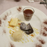 モン・ラパン - マクロビスイーツなども入ったデザート盛り合わせ。
