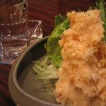 吟吟 - 大人の芋ポテトさらだは、日本酒のアテにもなる複雑な味わいがあって人気。