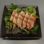 焼き鳥 亀ちゃん - 燻製鴨ロース(しっとりと燻製の鴨本来の味)