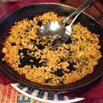 カサ・ベリヤ - パエージャのお焦げ。皿に取り分けた後の鍋。これがあとで絶品のお焦げになります。頃合いを見てお店の方がお焦げを綺麗に取ってくれます。2 de mayo de 2013
