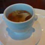 18777894 - ハナビラダケとフカヒレのスープ