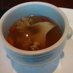 18777895 - ハナビラダケとフカヒレのスープ