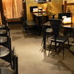 江戸東京小岩 創業昭和十一年 餃子の老舗 中華料理 永楽 - 店内は大衆中華
