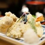 釜あげうどん はつとみ - 天ぷら盛り合わせ