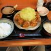 とんかつ 三太 - 料理写真:ヒレカツ1.5盛り、豚汁、ご飯軽め、半熟卵