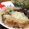 とりの助 - 料理写真:濃厚黒白湯鶏とん麺 787円
