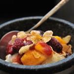 焼肉園 花牛 - 料理写真:【人気デザート♪】:焼肉屋がつくるコールドストーンアイス(笑)