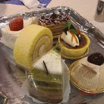 マイセンティーサロン - 好みのケーキをチョイス