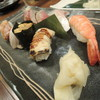 北斎 - 料理写真:【上握り@1700円】口の中で丁度良く                      頂けるお魚の厚み♪食感も抜群です。 シャリもふわぁ♪ と口の中ではなれますよ。^^