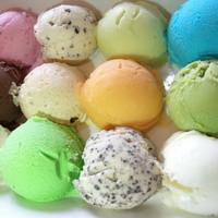 お食事をしめくくるアイスクリームは13種類も。