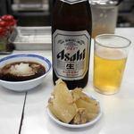 天ぷらのひらお - ビールです。中瓶500mlが400円です。
