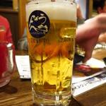 美味物問屋 うれしたのし屋 - 生ビール(中ジョッキ)520円