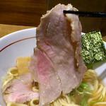 麺と心 7 - 清湯 豚レアチャーシュー