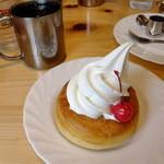 コメダ珈琲店  - (*≧ω≦*) アイスも美味しい♪ミニシロノワール:390円(2013.05月)