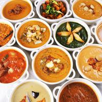 マザーインディア - カレーは日替わりも含めるといろんな種類があります。いろいろ食べてみてください
