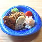 おまかせ料理まるやま - 刺身定食の小鉢(その1)