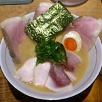 麺と心 7 - W白湯セブンチャーシュー