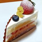 ル・レーヴ - 季節のショートケーキ(315円)