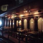 19061593 - ライトアップされた夜の店外観