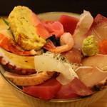 神東寿司 - 料理写真:海鮮丼