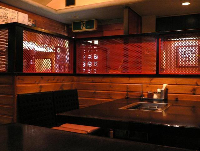 https://tabelog.ssl.k-img.com/restaurant/images/Rvw/191/640x640_rect_191951.jpg