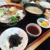食思倶楽部 櫻亭 - 料理写真:【海鮮丼@980円】 〆に頂きましたよ~♪^0^  豚汁を含めてかなりのボリューム。^^