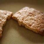 菓子工房シュヴァリエ - テーゲベック(ケーゼ):チーズの風味が香ばしい♪大きめサイズのクッキーはどれも本当に美味しい♪