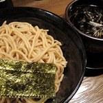 つぼや - 黒味噌つけ麺