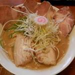 中村商店 - 鶏豚骨チャーシュー大盛 ¥1000