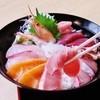 魚市場食堂 - 料理写真:当店一番人気のおすすめメニュー 海鮮丼