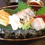 ウオサンジ - お刺身盛り合わせ五種
